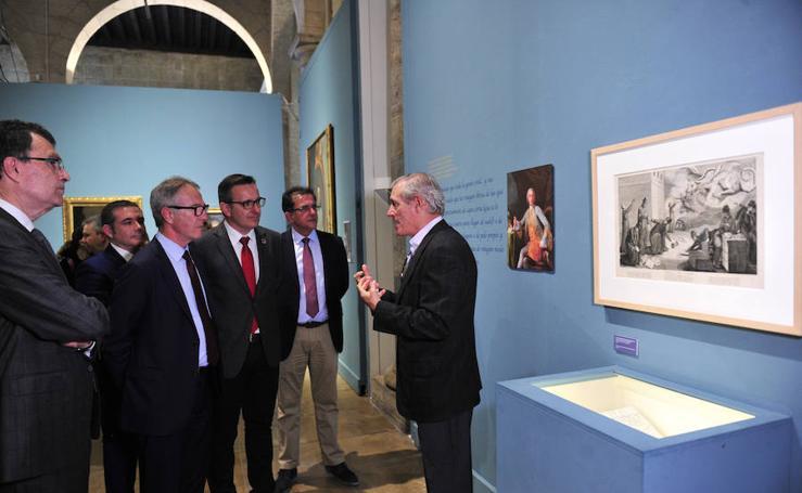 El ministro de Cultura visita la exposición de Floridablanca
