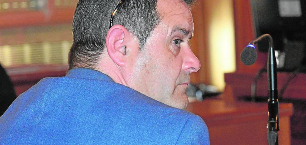 El acusado de estafar al geriátrico que dirigía dice que «hay documentos falsos»