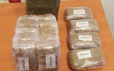 Detenido en Puente Tocinos tras intentar huir de la Policía tirando droga
