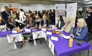 Las químicas de la UMU se suman al desayuno global de mujeres