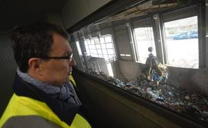 El contenedor marrón se instalará a partir de septiembre en el barrio de La Flota