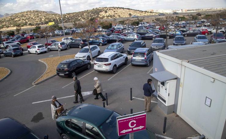 La nueva gestora del parking del Santa Lucía 'tira' los precios