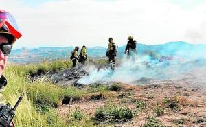 Rápida extinción de un incendio de palés en Ojós