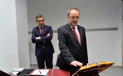 Mariano Flores toma posesión como decano de la Facultad de Bellas Artes