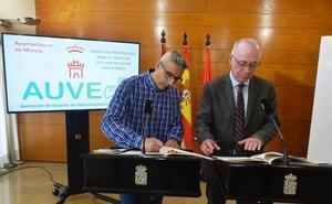 Murcia y AUVE harán campañas y ferias para promocionar el vehículo eléctrico