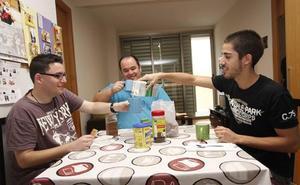 La UMU y Fundown fomentan la convivencia de estudiantes con discapacitados intelectuales