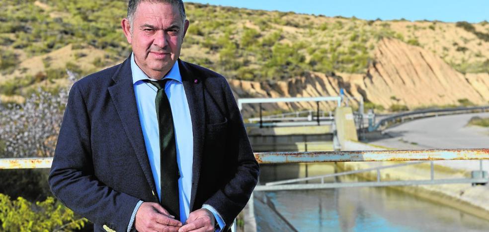 Lucas Jiménez: «Lanzan mensajes del agua a la carta para contentar a todas las baronías»