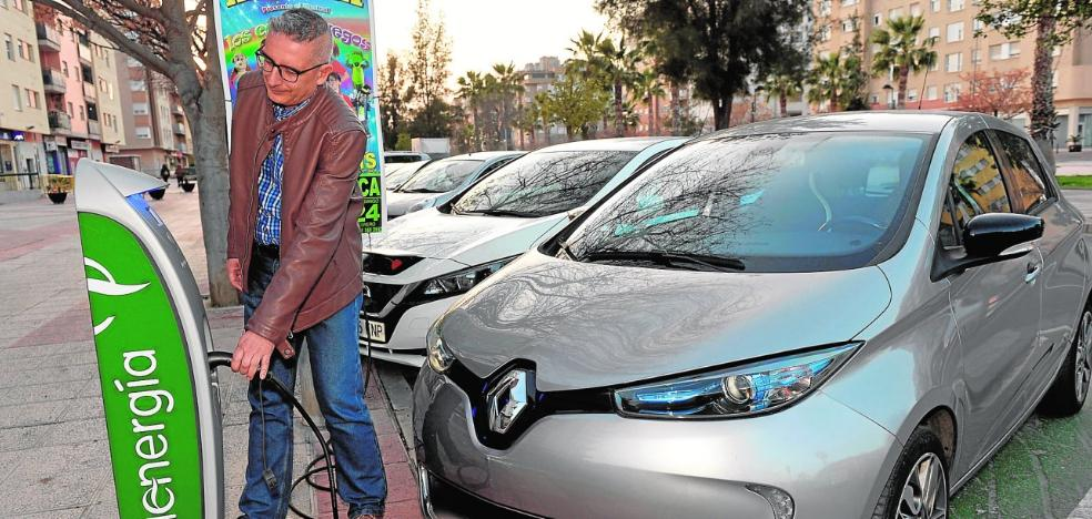 Una feria dedicada al coche eléctrico dará a conocer a los vecinos las ventajas de su uso