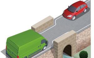 ¿Qué coche tiene prioridad en esta situación? La Guardia Civil da la respuesta