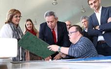 La Comunidad renueva el convenio para llevar a 4.600 discapacitados intelectuales a 157 excursiones