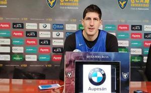 Rudez: «El Madrid es un grande y no debería quejarse de los arbitrajes»