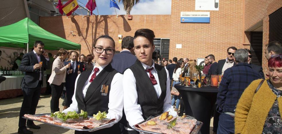 Los seis grados formativos de la Escuela de Hostelería rozan ya el pleno empleo