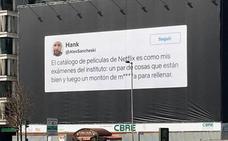 Netflix se publicita en Madrid de manera sorprendente con un tuit de un murciano