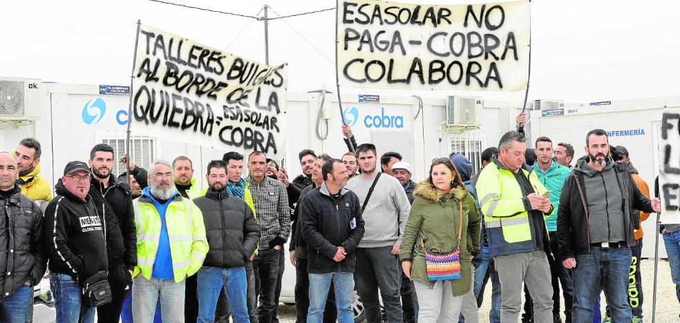 Los impagos de la planta solar de Mula amenazan la viabilidad de decenas de firmas instaladoras