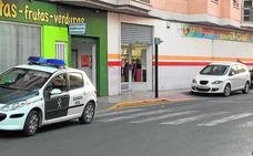 Encañonan a las empleadas de un súper de Alguazas y se apoderan del dinero de las cajas