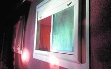 Un vecino de Beniel: «¿Policía? Están robando en la casa de enfrente; veo luces de linternas en el salón»