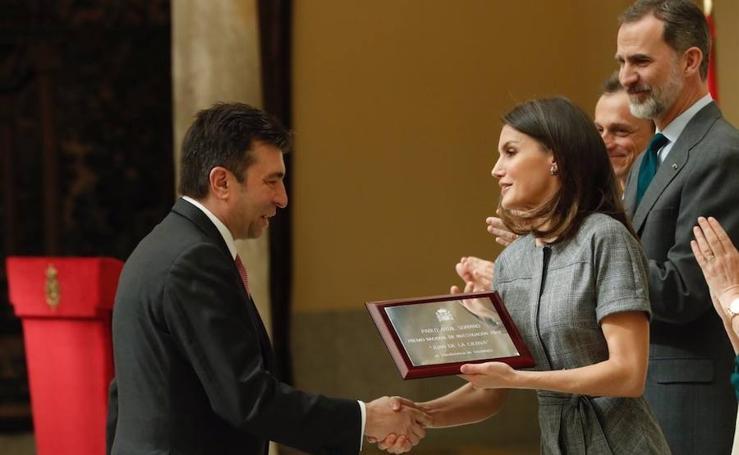 Felipe VI entrega a Rebolo y Artal el Premio Nacional de Investigación
