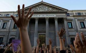 Los huérfanos por la violencia machista cobrarán un mínimo de 600 euros al mes