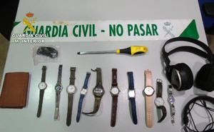 Desarticulan un grupo delictivo juvenil dedicado a robar en viviendas del Mar Menor