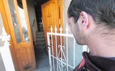 Tres encapuchados asaltan la casa de un discapacitado en Alguazas y le agreden para robarle