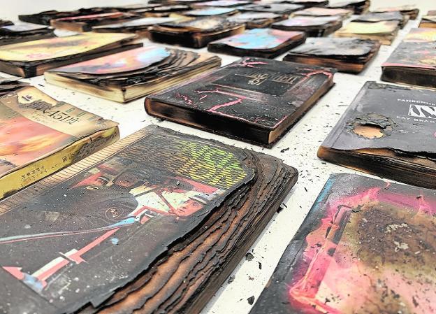 Instalación 'Fahrenheit 451', de Joan Fontcuberta. /