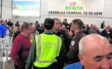 La asamblea de Coato en Totana acaba en un escándalo y suspendida a petición de la Guardia Civil
