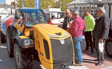 La oferta de maquinaria atrae a más público a la jornada agraria