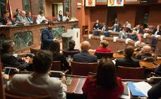 El turismo, Corvera y el abandono escolar protagonizarán la última sesión de control de la legislatura