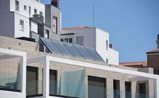 Redexis presenta un proyecto de autocosumo eléctrico con placas solares en casas