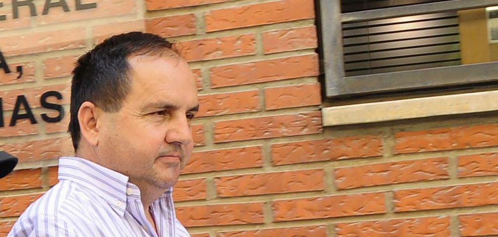 Absuelven al responsable de la ITV de Alcantarilla acusado de falsificación