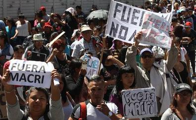 Macri afronta la recta final de la legislatura en su nivel más bajo de popularidad