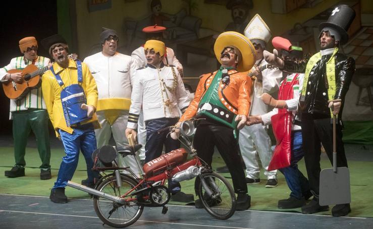 La Chirigota de Roquetas gana el concurso del Carnaval de Cartagena