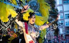 El Carnaval sacude las calles de Cartagena durante cinco horas