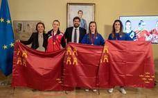 Las campeonas murcianas de fútbol sala celebran en San Esteban la Eurocopa