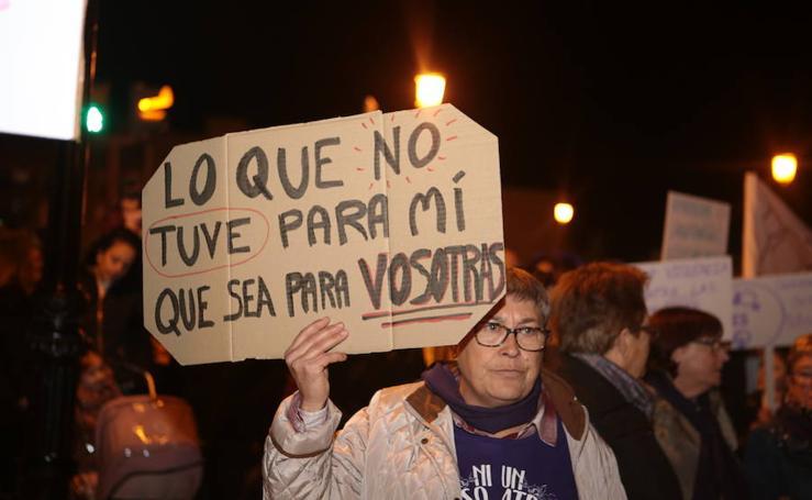 Lorca inunda la calle de feminismo