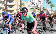 La carrera urbana Martínez Costa estrena edición con cien ciclistas