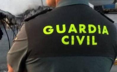 No están «solo para poner multas»: la foto de una patrulla de la Guardia Civil que emociona a España