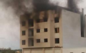 Aparatoso incendio en un edificio abandonado del murciano barrio de La Flota