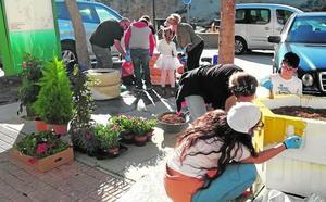 El proyecto ciudadano 'Reciclarte' para embellecer los rincones echa a andar en Los Baños y Yéchar