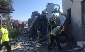 El vuelco de un camión bloquea la autovía del Noroeste en sentido Caravaca