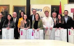Becas Rotary y Juan Cuello para alumnos brillantes