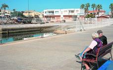 Los pescadores de Cabo de Palos amenazan con bloquear el puerto si no abre el varadero