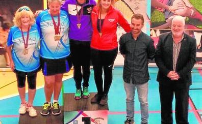 Cuatro podios en el Nacional sénior de bádminton para jugadores de Las Torres