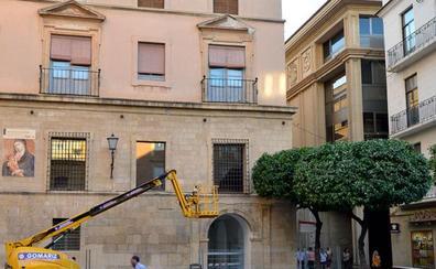 Un informe exige el refuerzo urgente de cornisas en la Catedral