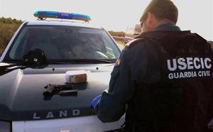 Dos vecinos de Murcia de origen subsahariano, detenidos tras lanzar una pistola por la ventanilla