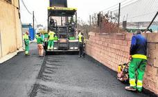 Comienzan las obras de asfaltado en La Serreta, La Polvorista y El Tapiado