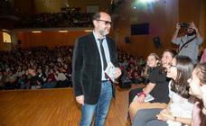 Fernando Lalana charla con 600 estudiantes en Cartagena
