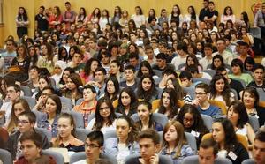 Ocho de cada diez jóvenes murcianos se marcharían de España para mejorar profesionalmente