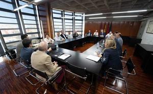 Arroyo promete «autopistas administrativas» para todos los emprendedores