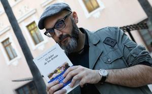 El ciclo 'Tinta Fresca' acoge a Miguel Ángel Hernández en la Biblioteca Regional